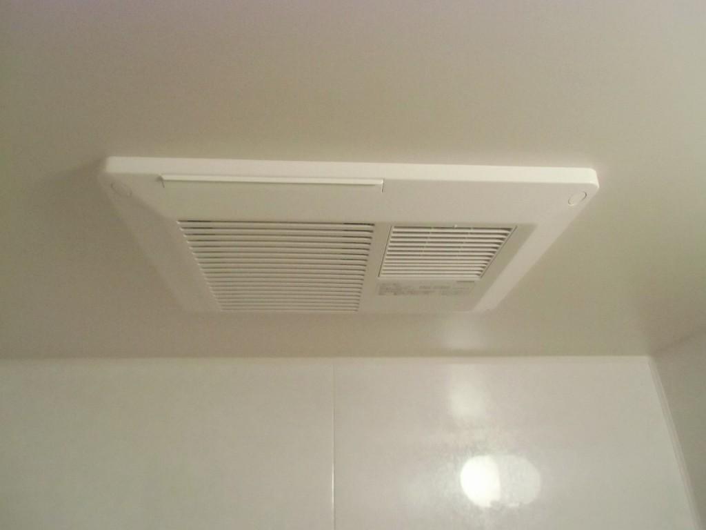 東芝製浴室換気乾燥機 DVB-18ST2