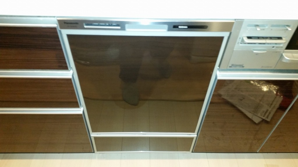 Panasonic製食器洗い乾燥 NP-45MD6S