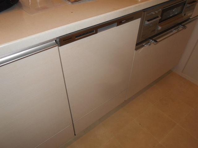 Panasonic製食器洗い乾燥機 NP-45MD8W