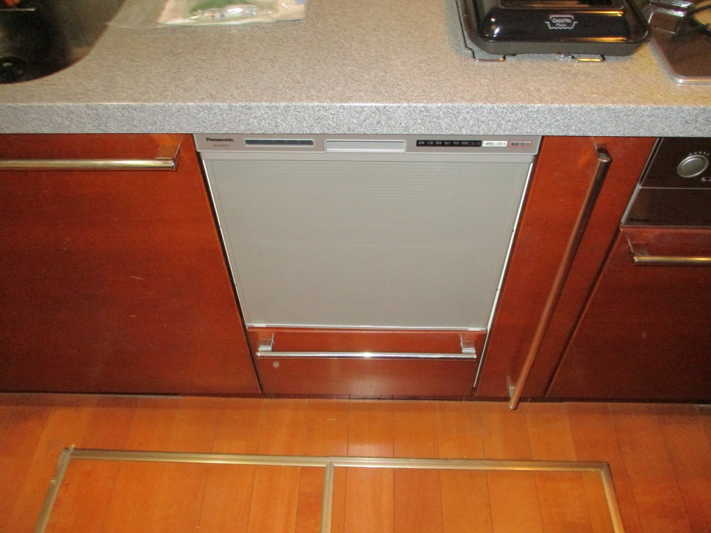 Panasonic製食器洗い乾燥機 NP-45RS7S